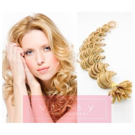 Kudrnaté vlasy evropského typu k prodlužování keratinem 50cm - přírodní blond
